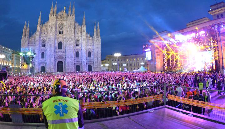 Servizio_Sanitario_Concerto_Radio_Italia_piazza_Duomo_Milano_2014_BusnagoSoccorso_AREU_CroceOro_CroceVerdeAPM