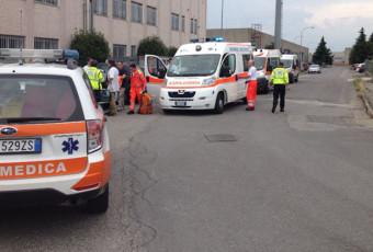 Incendio nella zona industriale di Pozzo d'Adda, sul posto ambulanze di Busnago Soccorso e vigili del Fuoco di Gorgonzola.