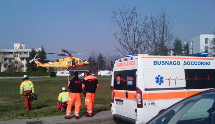 Codice Rosso a Basizno per paziente in arresto cardiocircolatorio, interviene l'elisoccorso di Milano.