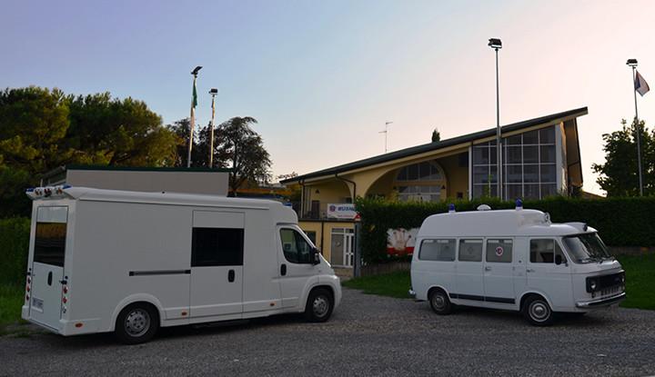 Confronto impossibile tra Ambulanza Fiat Ducato e la storica ambulanza Fiat 238.