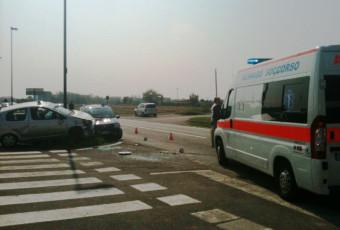 Incidente auto ribaltata a Bellusco-