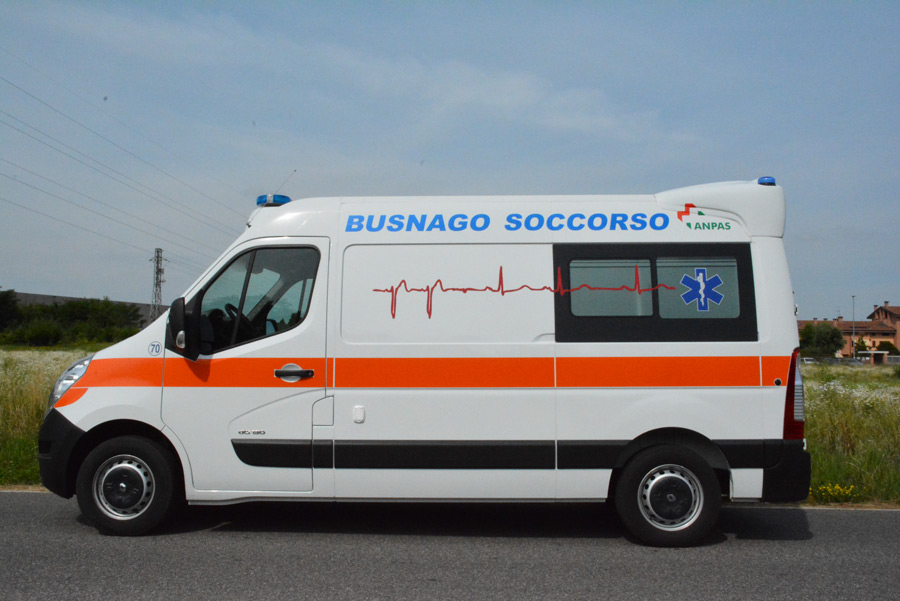ambulanza soccorso renault master 2015 b70 busnagosoccorso 04 busnago soccorso onlus. Black Bedroom Furniture Sets. Home Design Ideas
