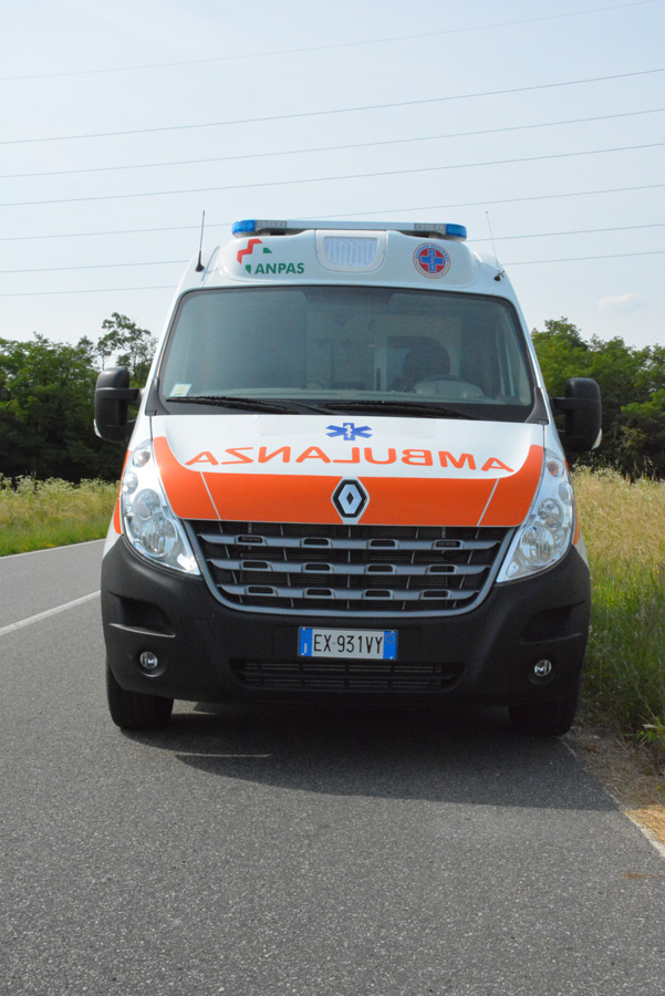 ambulanza soccorso renault master 2015 b70 busnagosoccorso 06 busnago soccorso onlus. Black Bedroom Furniture Sets. Home Design Ideas